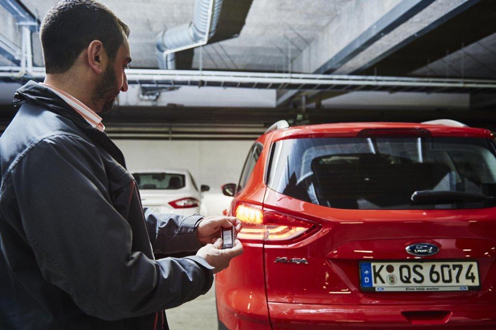 Ford: System zdalnego parkowania