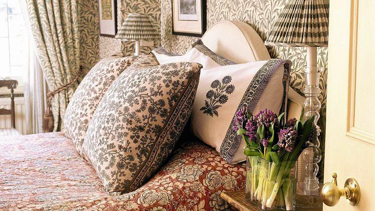 Tapety z motywami stworzonymi przez Williama Morrisa nigdy nie wyszły z mody.
