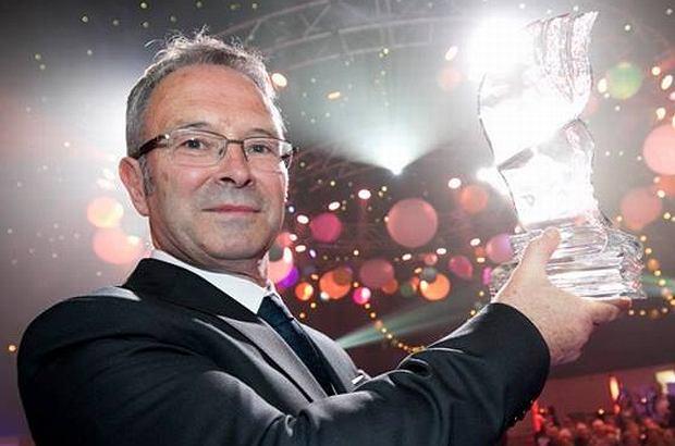 Mike McCormack otrzymał nagrodę w wysokości 100 tysięcy euro. Za książkę, która ma jedno zdanie