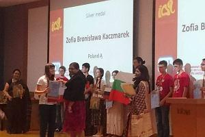 Pięć medali dla naszych młodych lingwistów w Indiach. Lepsi tylko Rosjanie i Amerykanie