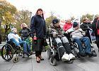 Czy dzieci minister Seredyn oddają jej swoją wypłatę - pytają opiekunowie niepełnosprawnych