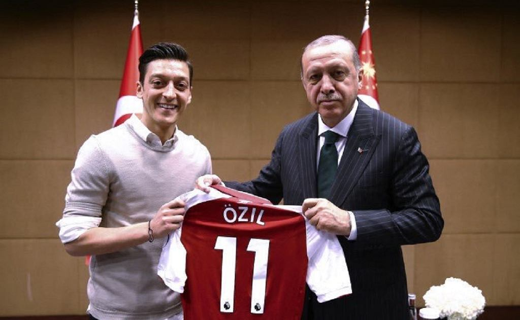 Mesut Oezil z prezydentem Turcji