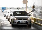Tusk reaguje na korki: W sierpniu w weekendy kierowcy przejad� autostrad� A1 bez op�at