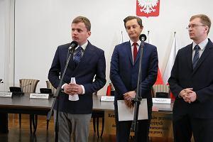 Szef sztabu Patryka Jakiego wystartował do Rady Warszawy, będąc radnym w Jeleniej Górze