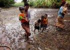 Pom�my ofiarom powodzi w Birmie