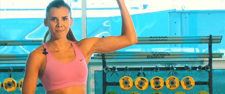 3 ćwiczenia na smukłe ramiona z Adą Palką