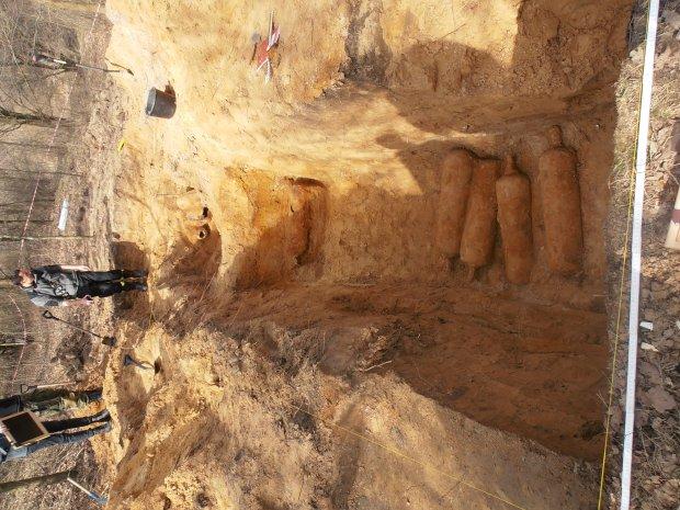 Zdjęcie numer 3 w galerii - Tajemnicze butle z gazem znalezione w Forcie Chrzanów