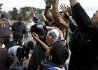 Ks. Rafa� Pastwa: Uchod�cy uciekaj� przed �mierci�. Jak mo�emy im tego zabroni�?