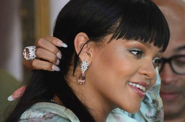 Rihanna została sfotografowana na Ibizie w obecności przystojnego mężczyzny. Wiemy, kim jest!