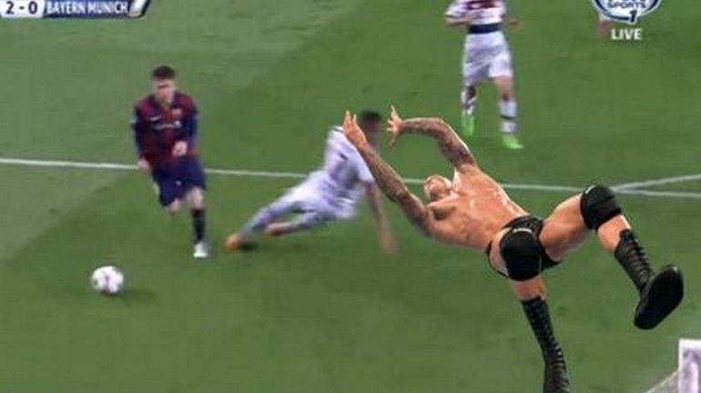 Internauci bezlito�ni po meczu Barcelona - Bayern. Kpiny z Boatenga. Neuer? Bohater