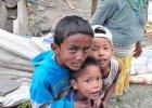 Krajobraz po trz�sieniu ziemi w Nepalu. �wiat obieg�y zdj�cia zniszcze� w Katmandu, zdj�cia zr�wnanych z ziemi� wiosek ju� nie