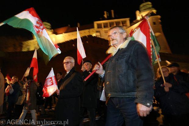 Narodowe �wi�to Niepodleg�o�ci PiS. Prezes Kaczy�ski 10 listopada w Warszawie, a 11 �wi�tuje w Krakowie