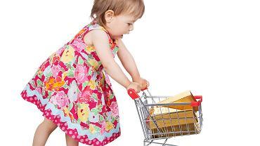 Dziecko na zakupach: najchętniej wybierze to, co mają inne dzieci albo to, co widziało w telewizji