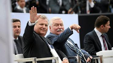04.06.2014 r., dawni przeciwnicy Aleksander Kwaśniewski i Lech Wałęsa (fot. Kuba Atys/AG)