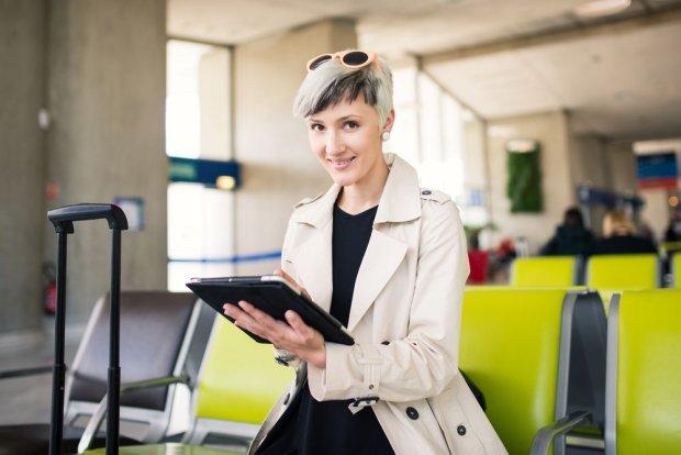 Europejczycy chcą darmowego, nielimitowanwgo Internetu na lotniskach. Które porty lotnicze go oferują? [INFOGRAFIKA]