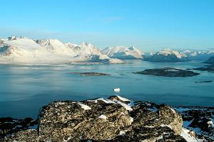 Grenlandia znosi zakaz eksploatacji swoich olbrzymich bogactw naturalnych. Inwestorzy ju� ostrz� z�by