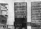 """XYZ, pierwszy polski komputer. """"Młody Technik"""" przekonywał: maszyna mogła nawet wyliczać orbity """"sputników"""" i kierować rakietami!"""