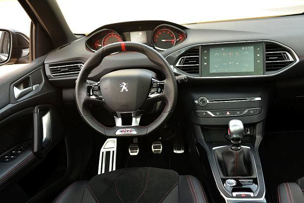 Peugeot 308 GTI vs. Seat Leon Cupra
