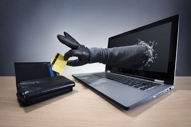 Ofiary internetowych złodziei pieniędzy wygrywają w sądach