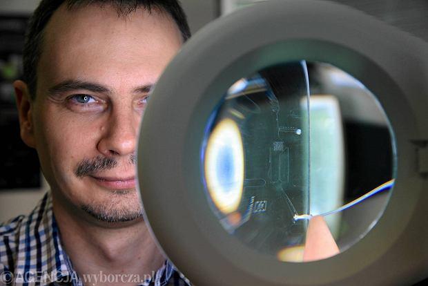 Dolno�l�scy naukowcy tworz� mikrokapsu�ki, kt�re zag�odz� nowotwory