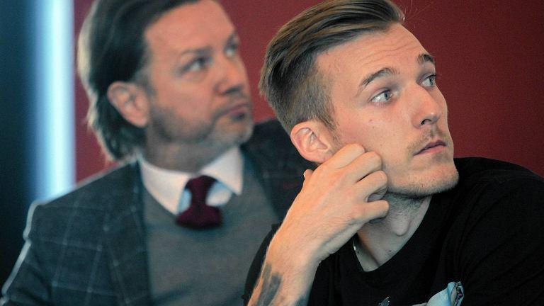 Rafał Kosiec na konferencji po meczu charytatywnym Polonia 2000 - Artyści