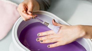 Parafina na dłonie w formie maseczki parafinowej