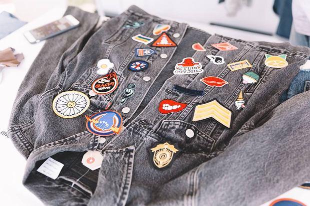 Levi's znów personalizuje dżinsowe ubrania. Pomoże znany artysta