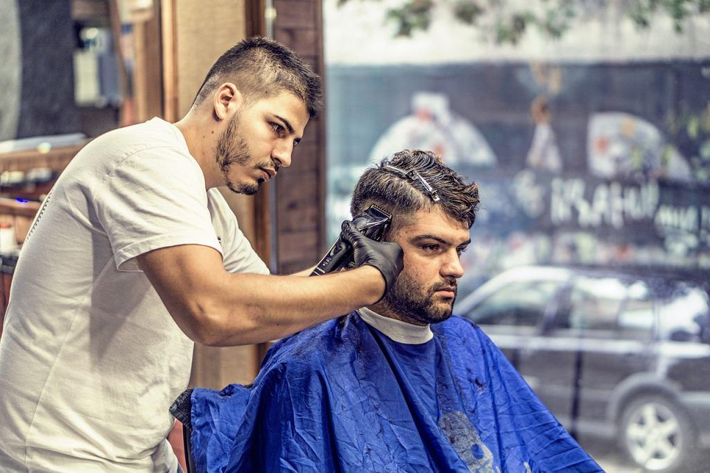 Barber Warszawa Najlepsze Strzyżenie Włosów Brody I Wąsów W