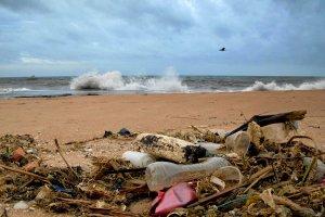 S�l morska z plastikiem
