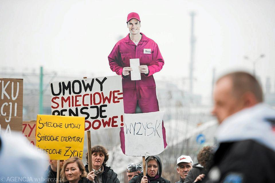 Protest katowickich związkowców przeciw umowom śmieciowym