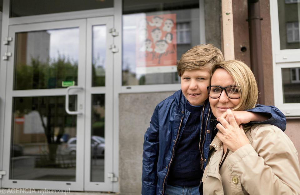 Małgorzata Choińska, mama Szymona, chciała zapisać syna do pierwszej klasy SP 37, ale urzędnicy odesłali ją do innej placówki.