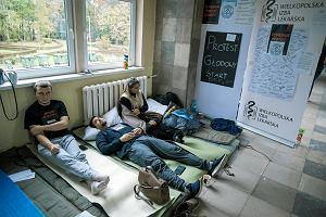 Protest rezydentów. Byliśmy w szpitalu w Lesznie, gdzie trwa głodówka