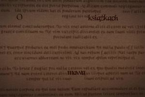 O książkach mowa: Trzytomowa saga z twarzą autorki na okładkach