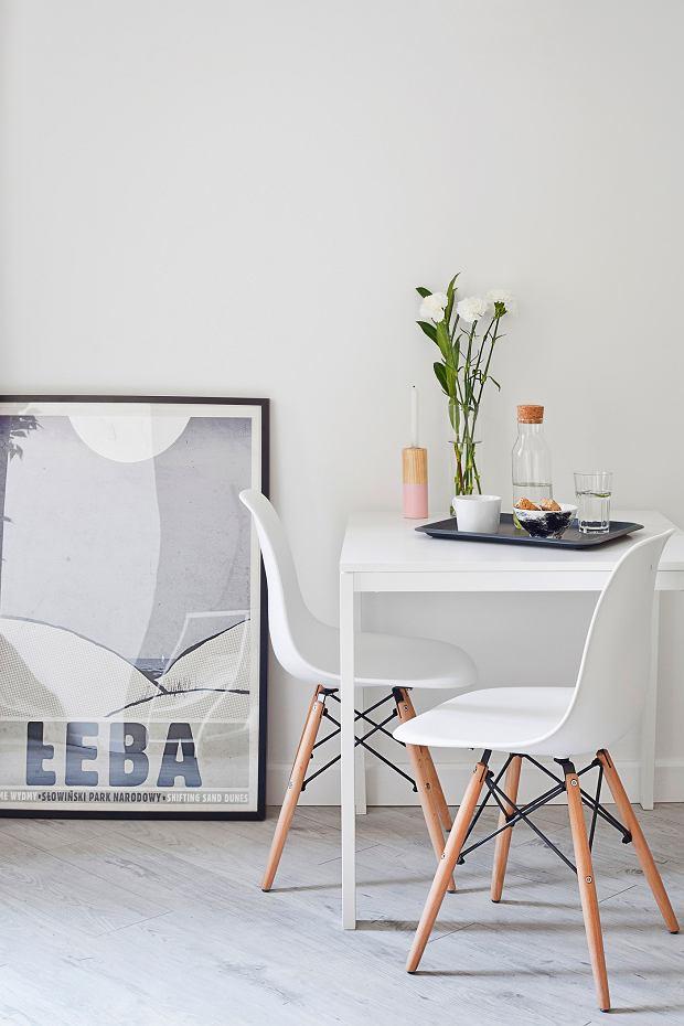 Zdjęcie numer 4 w galerii - Małe mieszkanie w kamienicy. Postawili na biel i prostotę