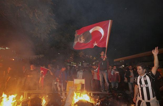Od 31 maja w Turcji trwaj� masowe protesty. Demonstranci zarzucaj� premierowi autorytaryzm i ch�� islamizowania laickiego pa�stwa.