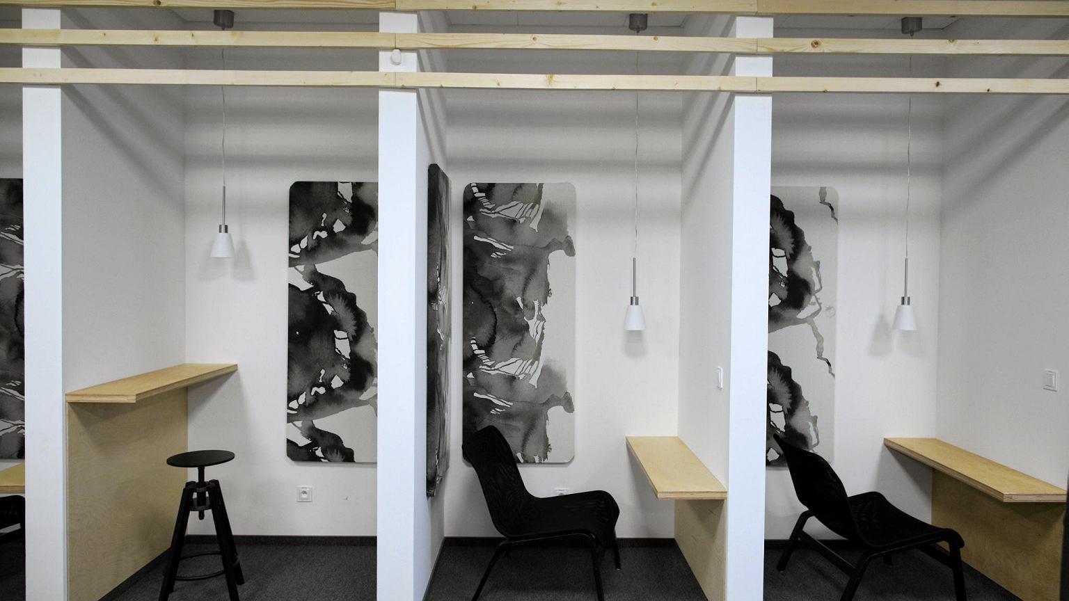 pracownicy ikea business service center maj supernowoczesne biuro pozna pierwszy po szwecji. Black Bedroom Furniture Sets. Home Design Ideas