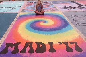 """""""Jeśli to czytasz jestem spóźniony"""" - uczniowie pomalowali swoje miejsca parkingowe. Powstały prawdziwe dzieła sztuki!"""