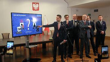 Konferencja poświęcona prezentacji dokumentów związanych z reprywatyzacją kamienicy przy Noakowskiego 16