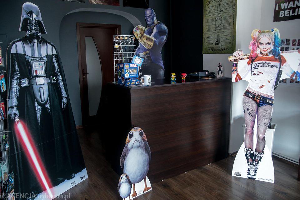 564fcbe26ee7d1 Pierwszy sklep popkulturowy w mieście. Dla fanów gier i filmów - zdjęcie nr  22