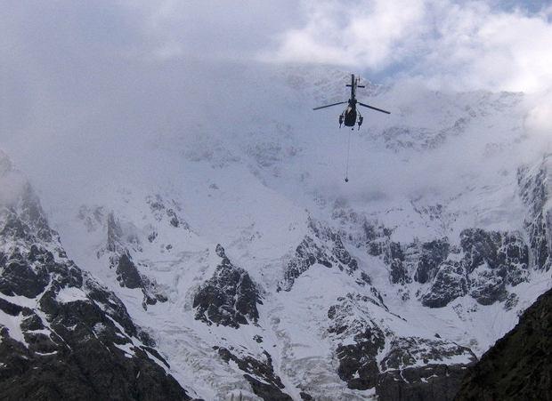 Tragedia na Nanga Parbat. Czy można się ubezpieczyć na tak ekstremalną wyprawę? Jak ubezpieczyciel ma zapewnić pomoc?