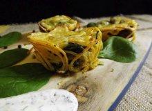 Makaronowo-jajeczne babeczki ze szpinakiem i pieczarkami - ugotuj