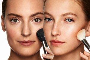 Jak modelowa� kszta�t twarzy r�em?
