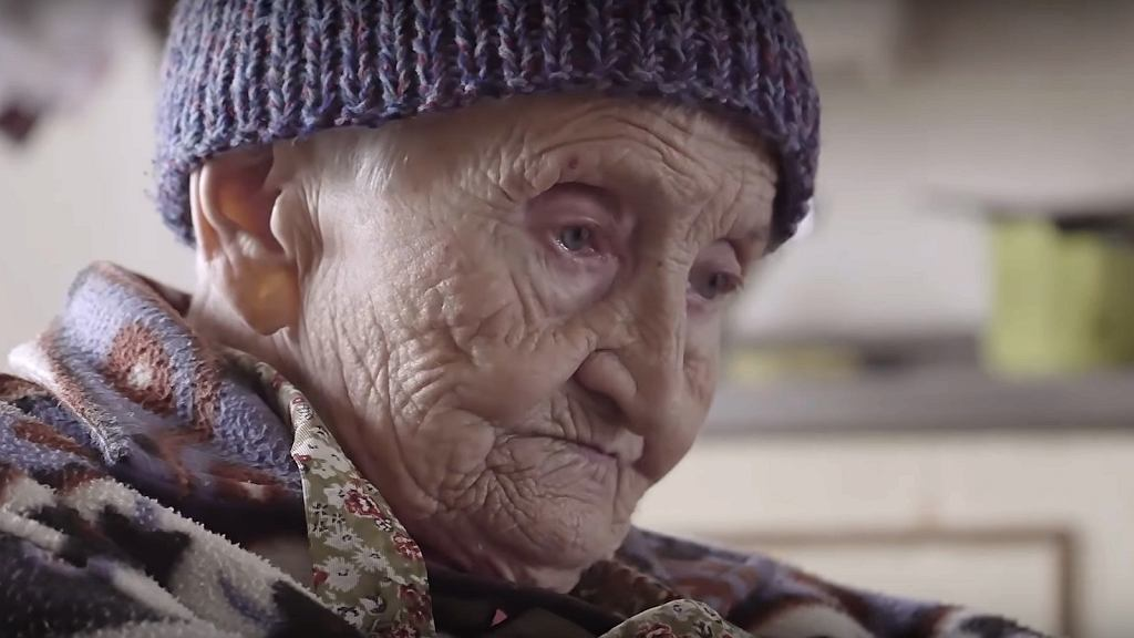 Starsza pani wie, co zmieniłaby w swoim życiu.
