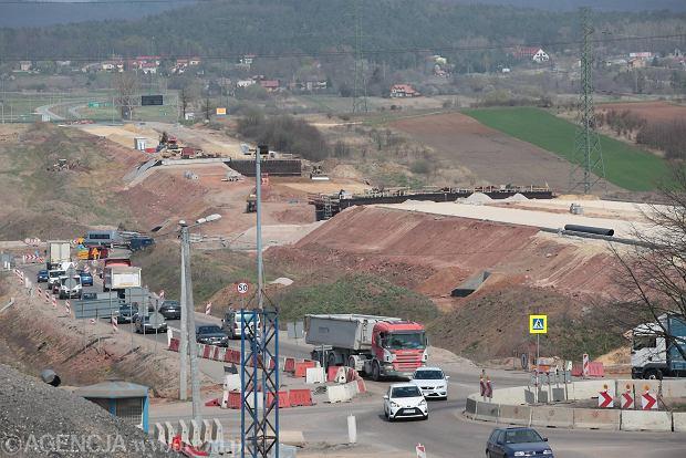 GDDKiA wyznaczyła kolejny, nowy termin zakończenia S7 Chęciny-Jędrzejów. Znów nierealny