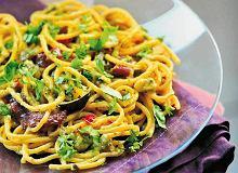 Spaghetti z pesto z cukinii i anchois - ugotuj