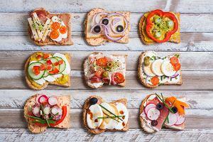 Zdrowe odżywianie przez cały dzień. Oto posiłki, dzięki którym nie utyjesz [4 PRZEPISY]