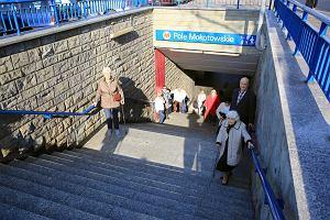 Metro Pole Mokotowskie. Piesi domagają się wind przy wyjściach na przystanki