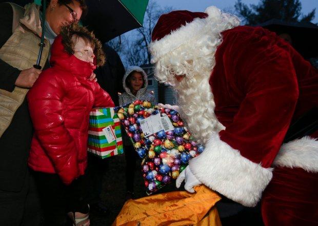 300 tys. list�w do �wi�tego Miko�aja. �yczenia dzieci pomaga spe�nia� ameryka�ska poczta