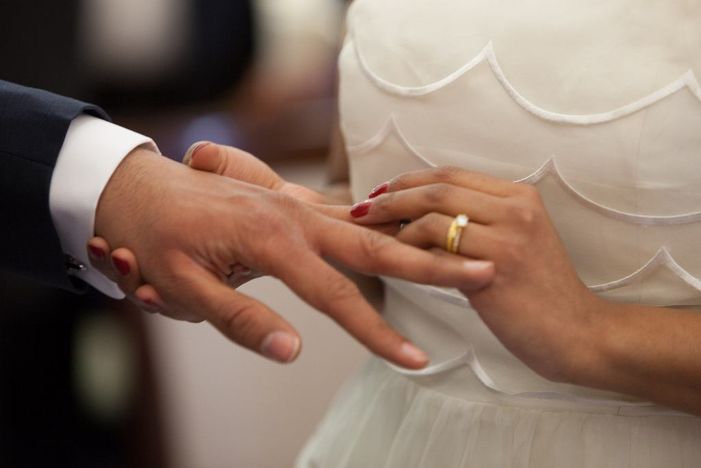 W XXI w. w Polsce może się jeszcze zdarzyć, że ślub kościelny jest wymuszony przez rodziców pary młodej (fot. pexels.com)