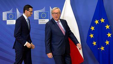 Premier Mateusz Morawiecki i Przewodniczący Komisji Europejskiej Jean-Claude Juncker. Polski premier ma za zadanie poprawić relacje Polski z Unią Europejską.